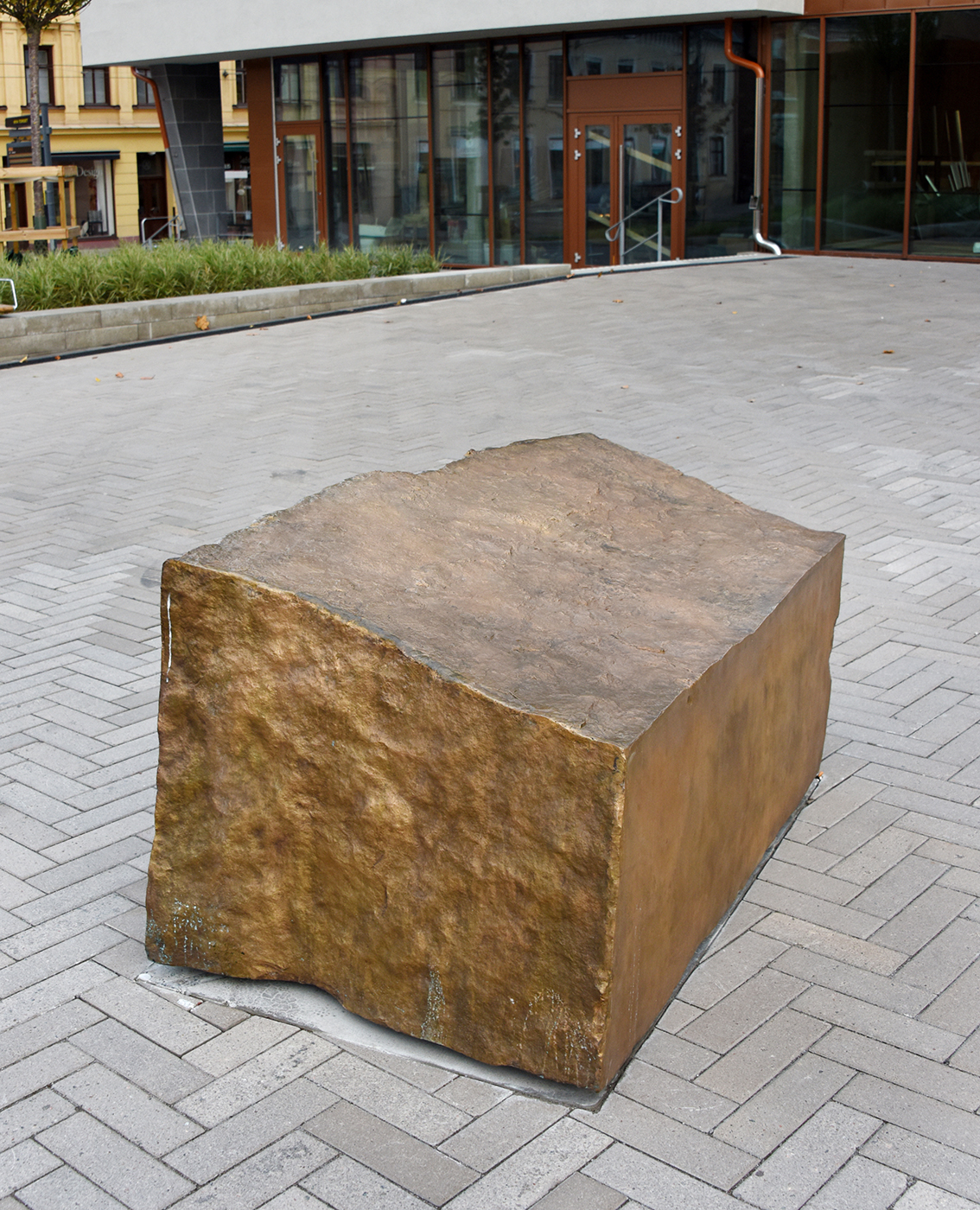 Stenen - Klicka för att byta till perspektivbild.