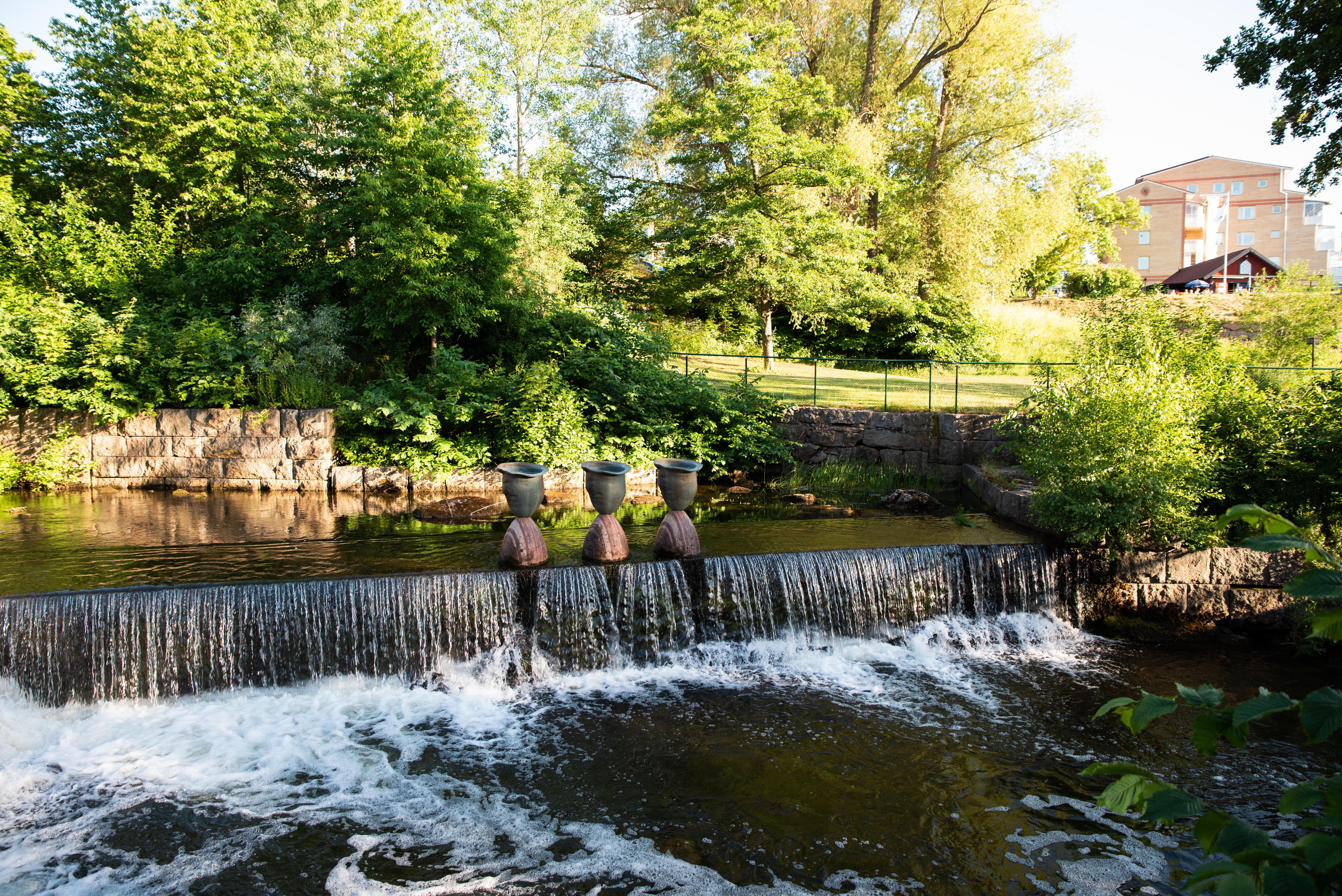 Dag Birkeland - Vatten Timglas - Klicka för att byta till närbild.