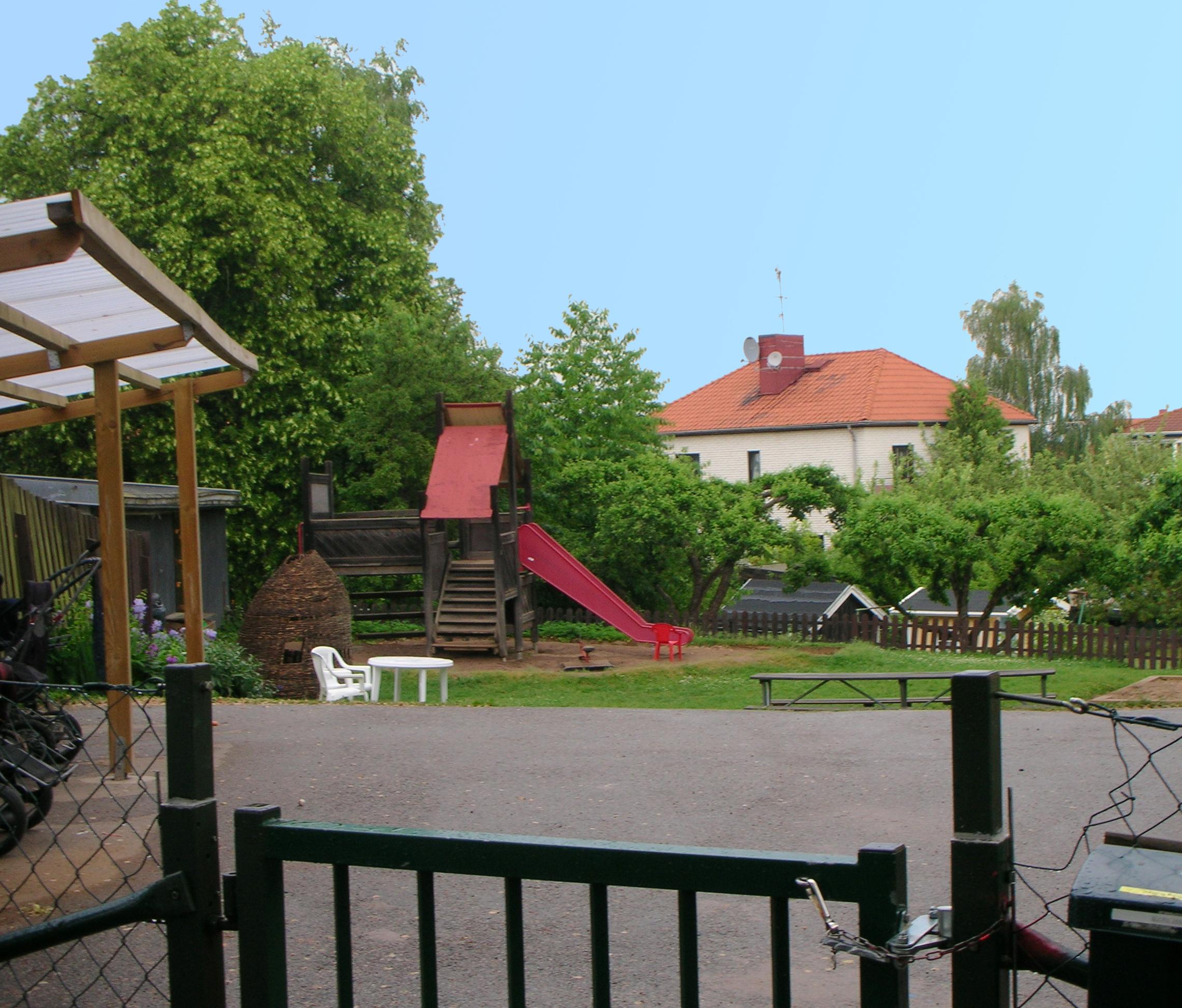 Lekplats på gård