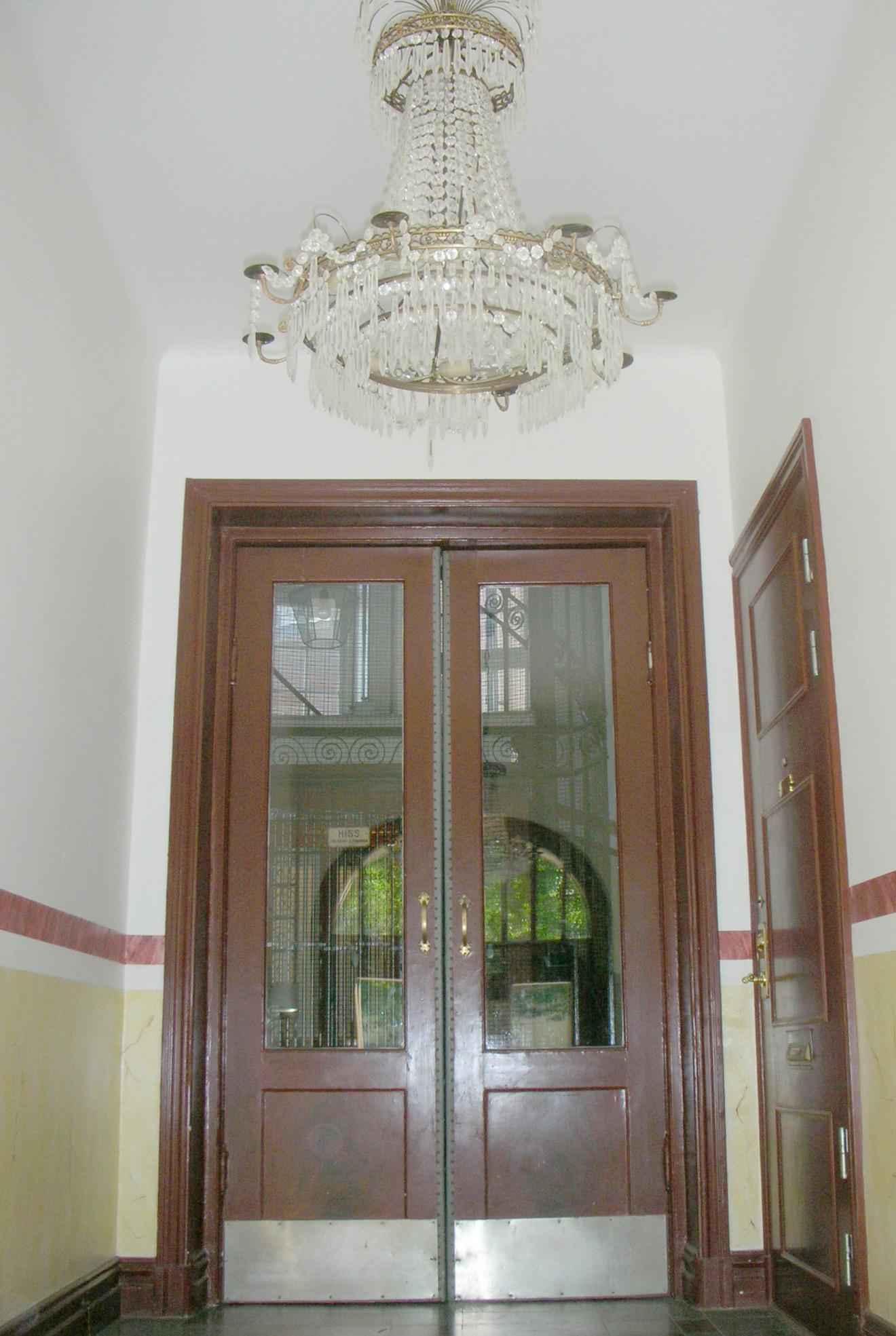 assyrien5_entre_innerdörrar_2